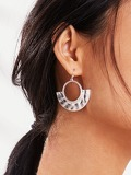 Textured Detail Hoop Drop Earrings 1pair