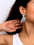 Fold Shaped Metal Stud Earrings 1pair