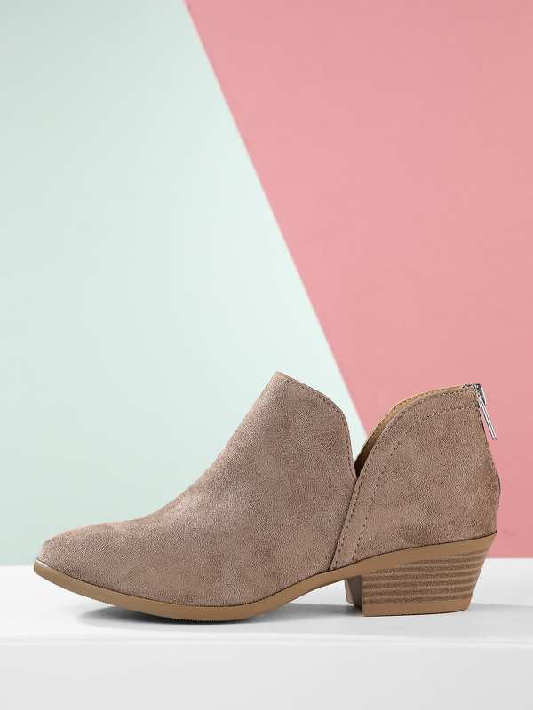 Almond Toe Low Stacked Heel Split Shaft Booties