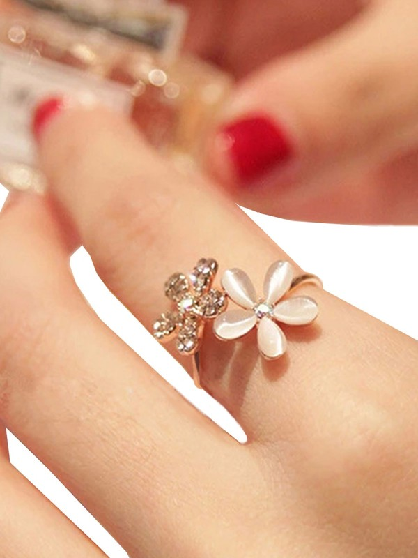 Double Flower Design Ring 1pc