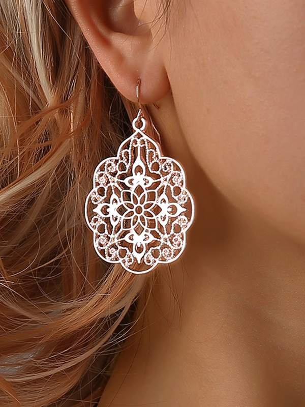 Hollow Flower Design Drop Earrings 1pair